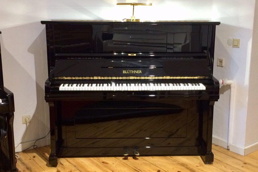 Blüther Klavier Modell B 132