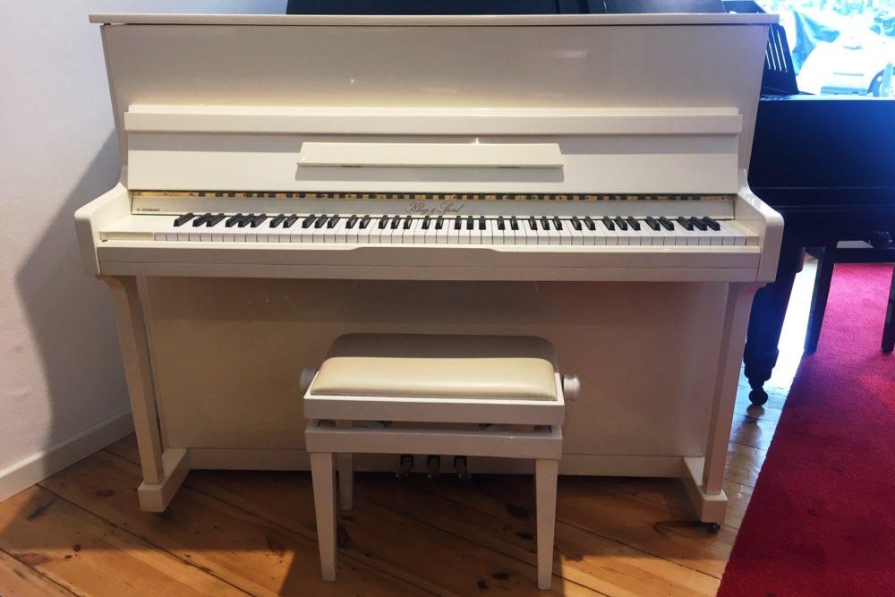 Klug & Sperl Klavier weiß