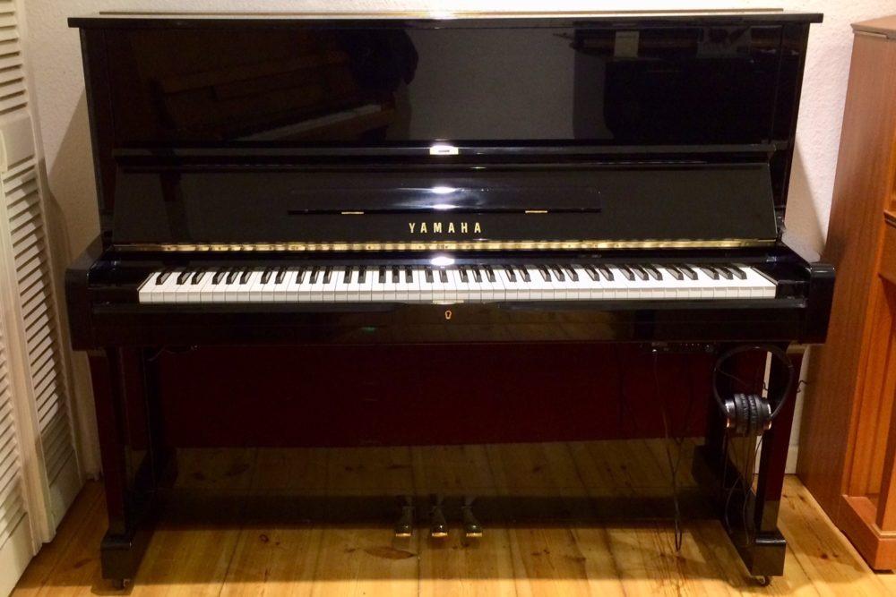 Yamaha U1 Klavier m. Adsilent