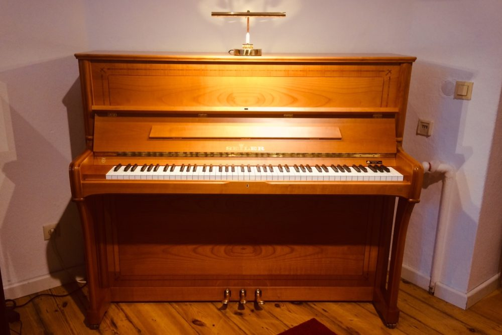 Ed. Seiler Klavier Modell 122