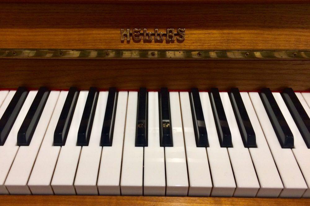 Hellas Klavier Tasten