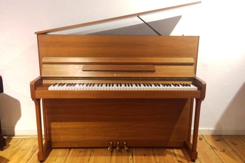 Hellas Piano Modell 115