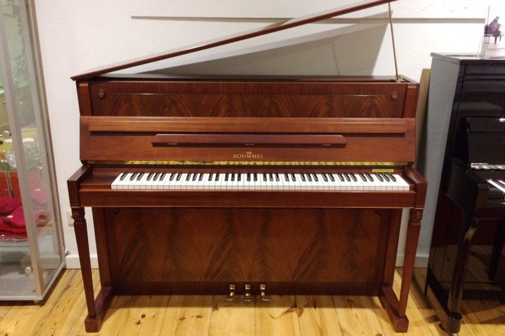 Schimmel Klavier 112E