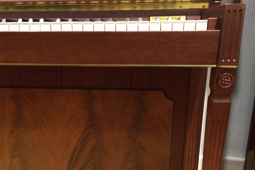 Schimmel Piano Konsole