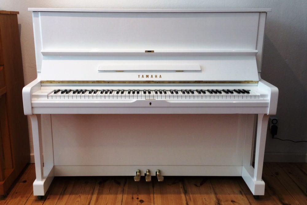 Yamaha U1 Klavier