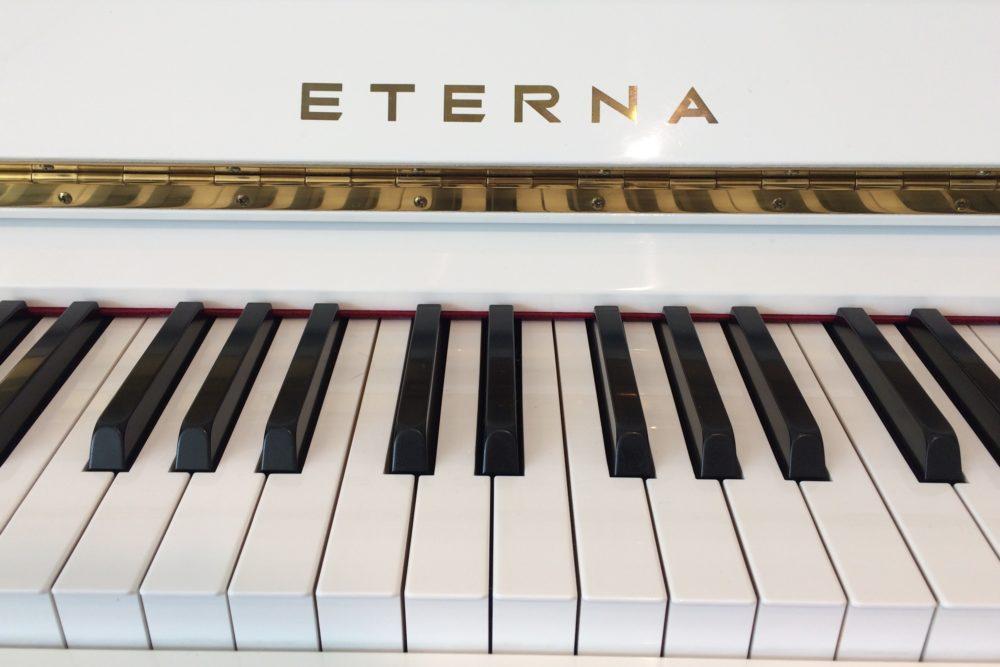 Eterna Klavier Tasten