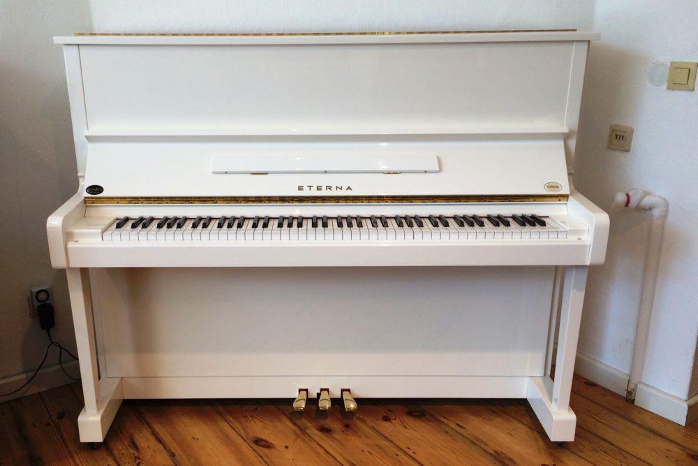Eterna Klavier by Yamaha