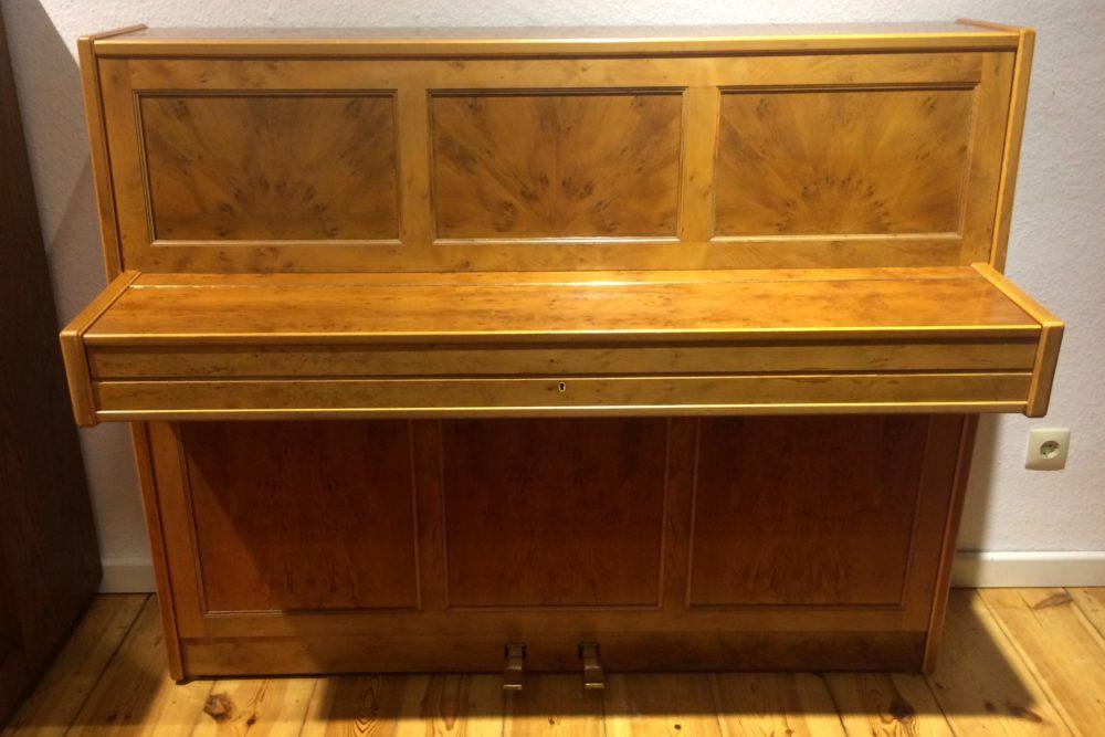 Euterpe Piano Wurzelholz