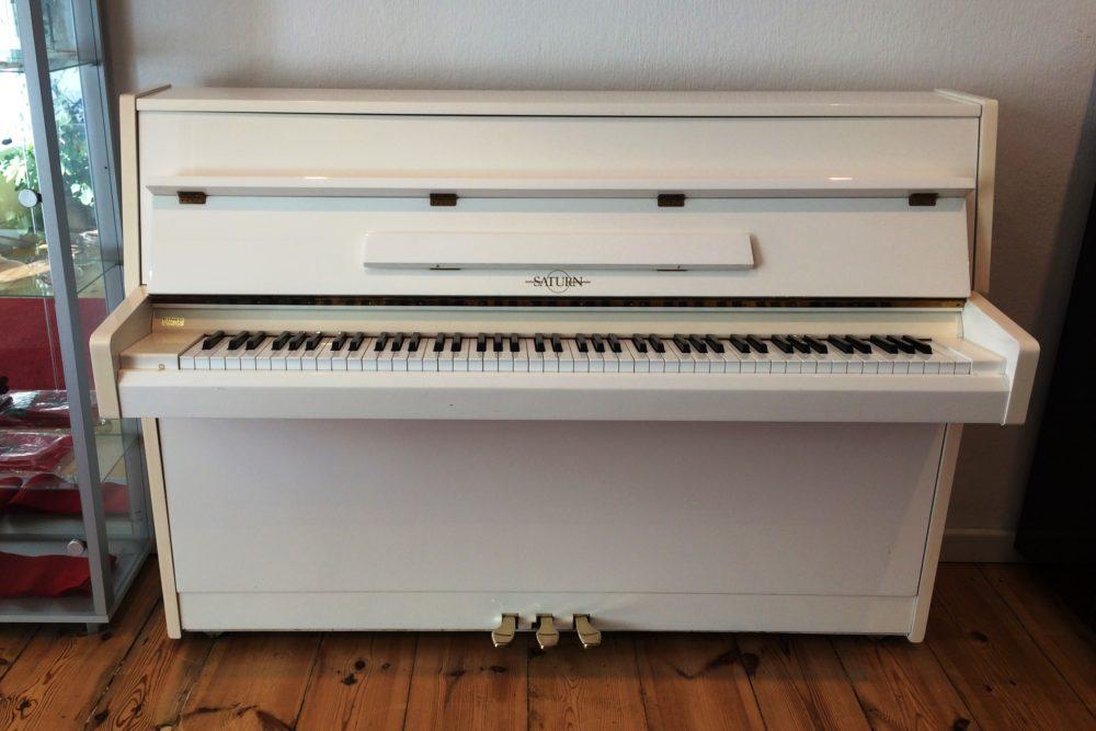 Saturn Klavier