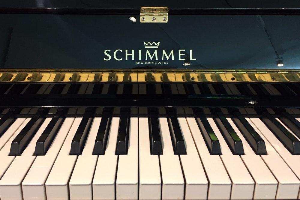Schimmel Klavier Tastatur