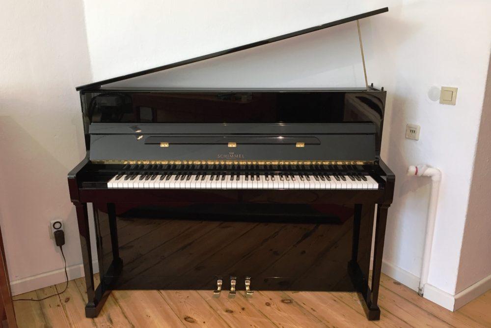 Schimmel Piano Modell 114 T schwarz