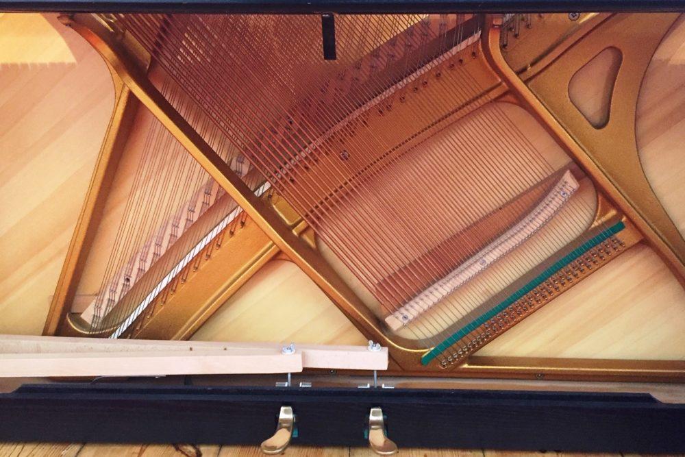 Hupfeld Klavier Resonanzboden