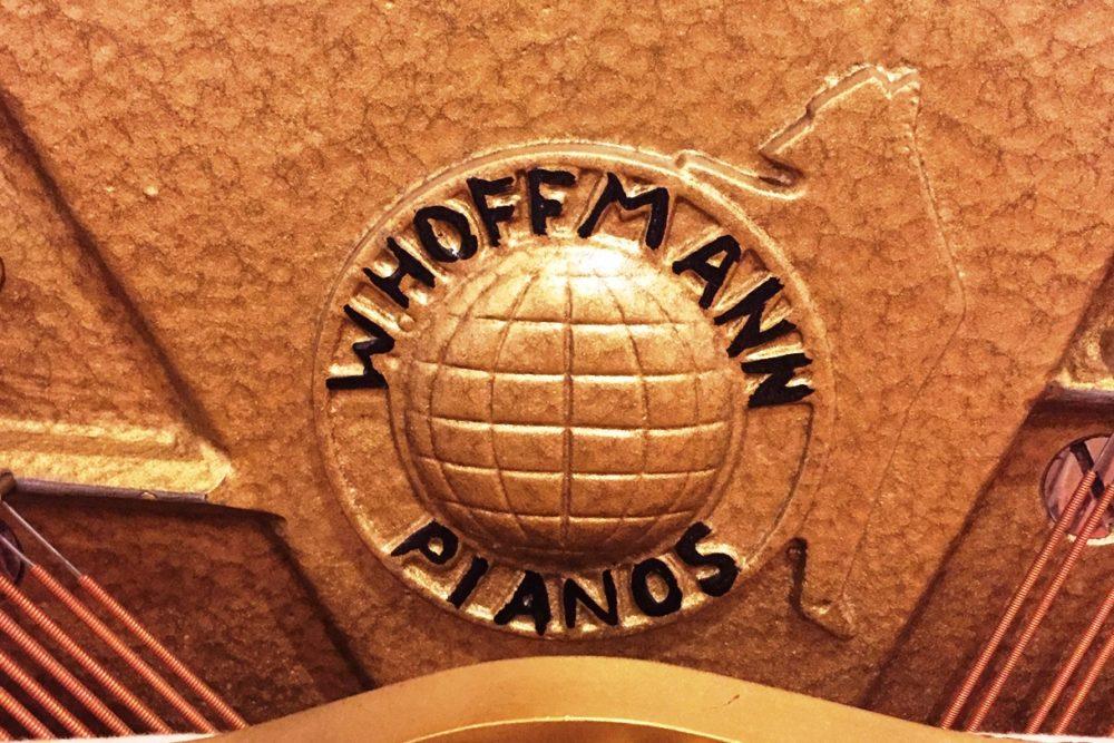 W. Hoffmann Klavier Logo