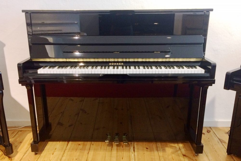 Hohner Klavier HP 122