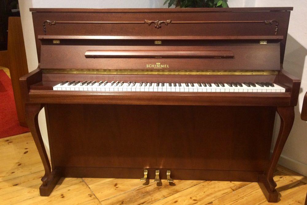 Schimmel Piano 112