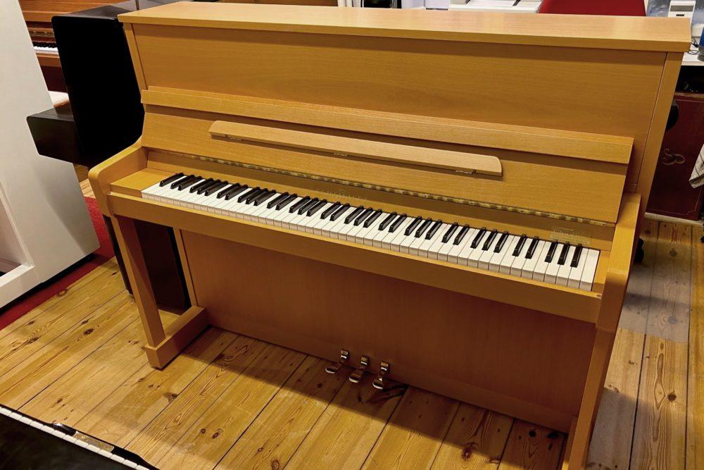 Schimmel Klavier 116 S