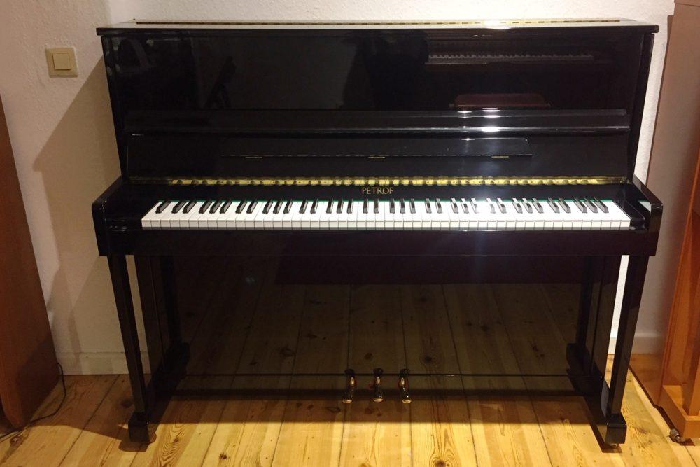 Petrof Klavier Mod. 118 schwarz