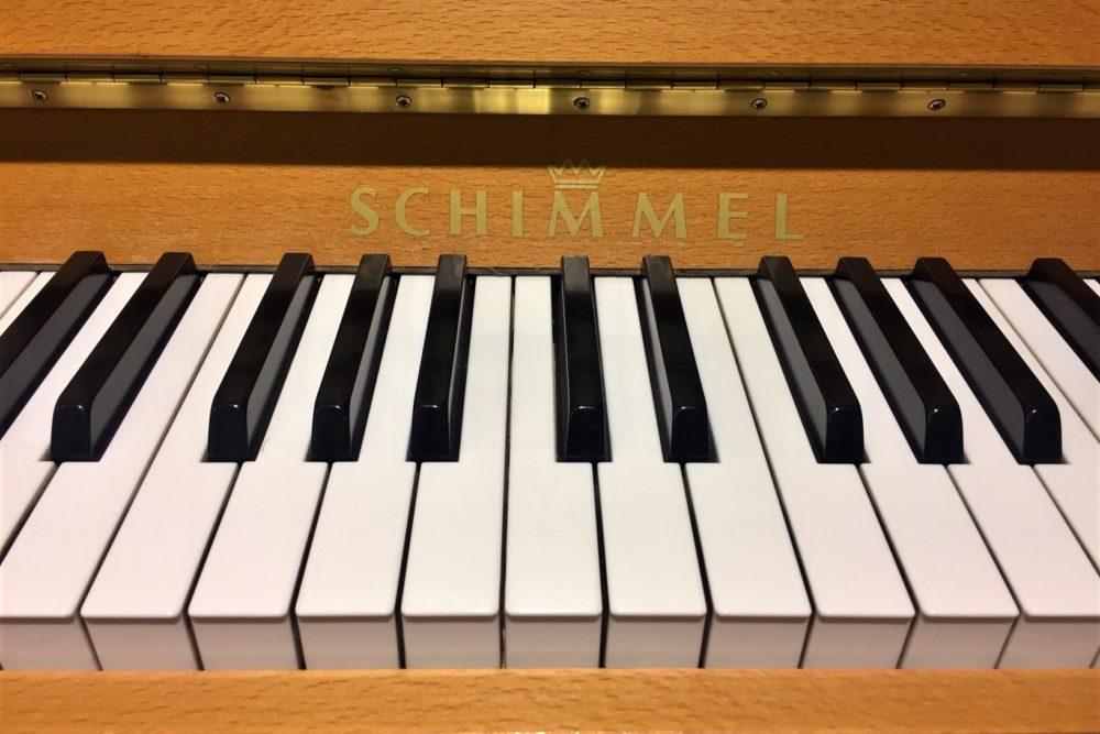 Schimmel Klaviertastatur
