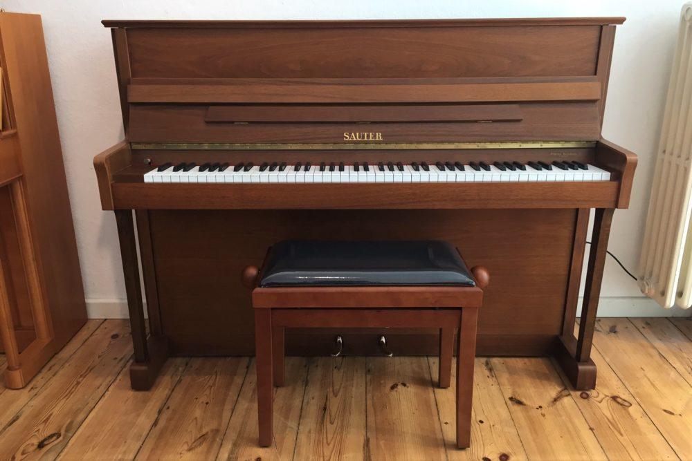 Sauter-Klavier-Wallnussholz