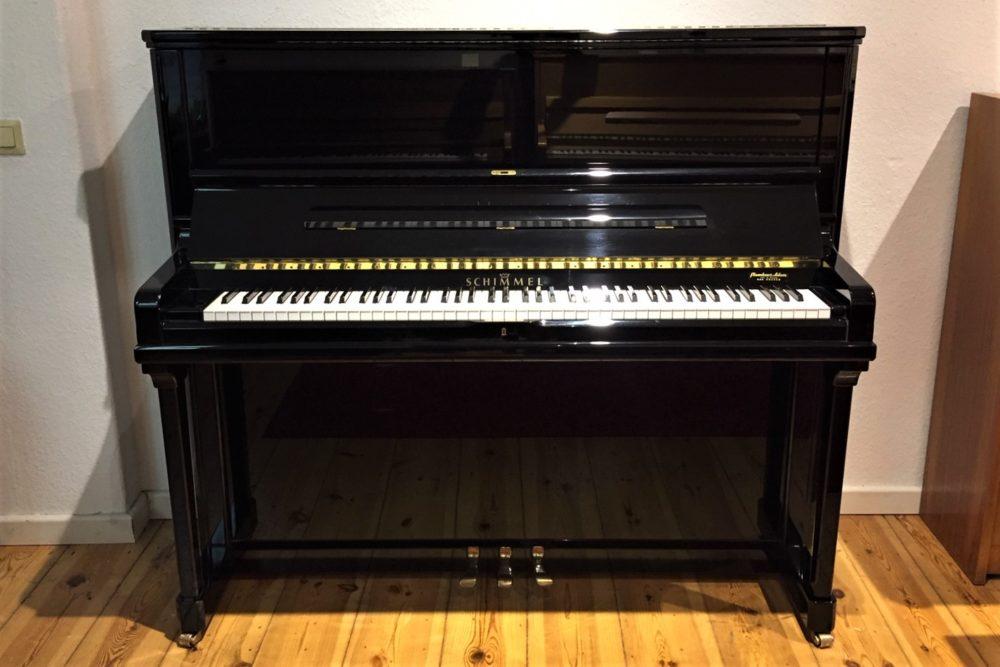 Schimmel-Klavier-Modell-C130-Konzert