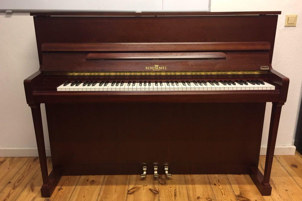 Schimmel-Piano-112T