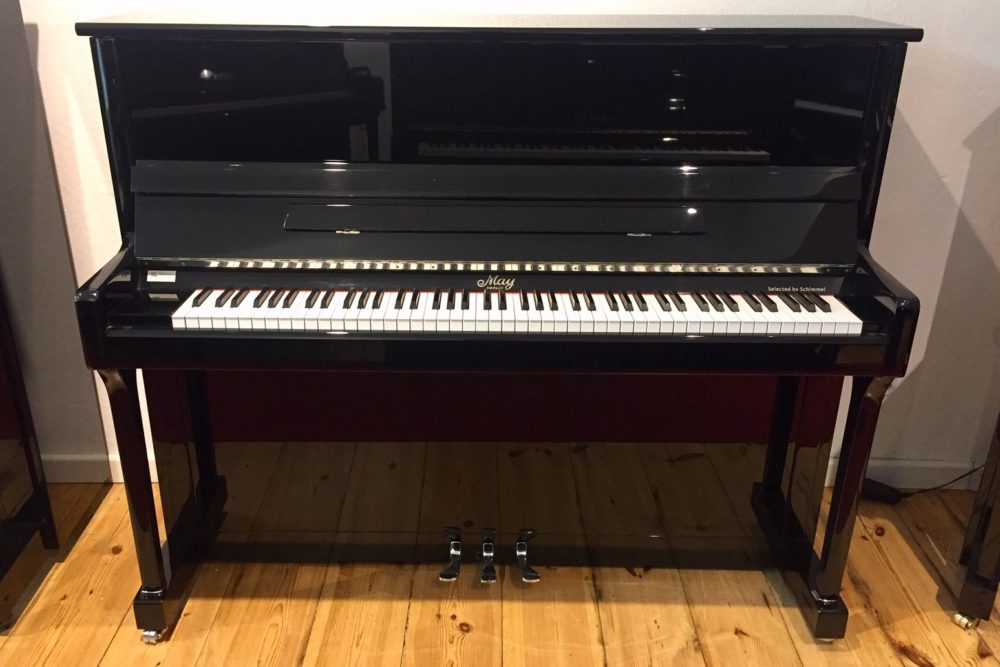 May-Berlin-Klavier-Modell-121-Silver