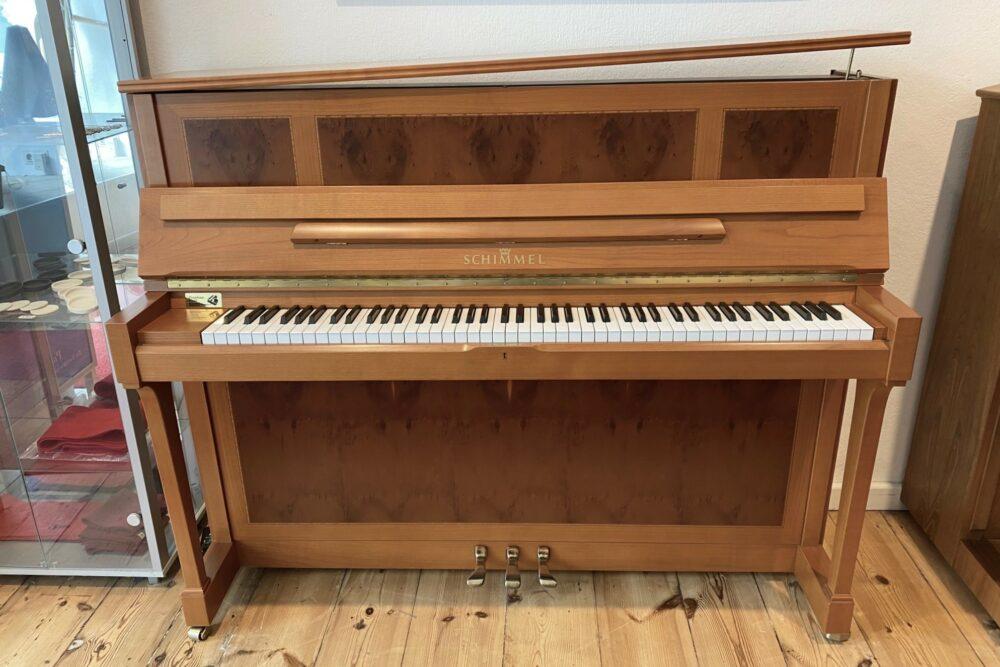 Schimmel-Klavier-Kirschholz-Intarsien