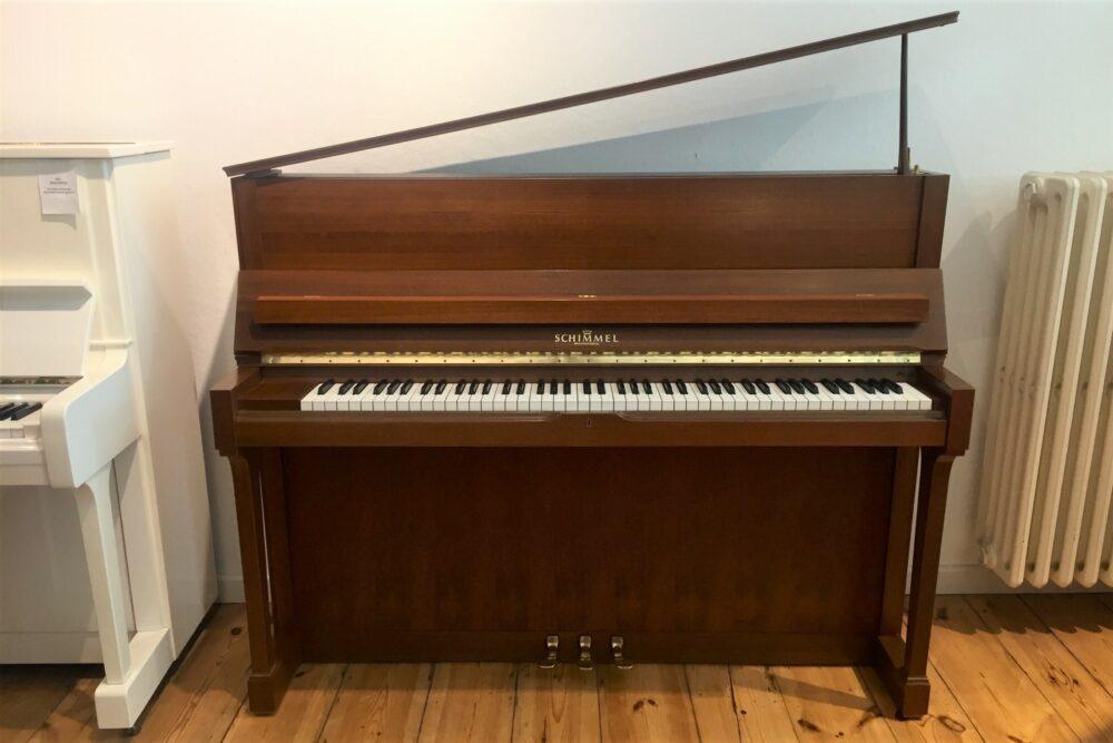 Schimmel-Klavier-Mod-118