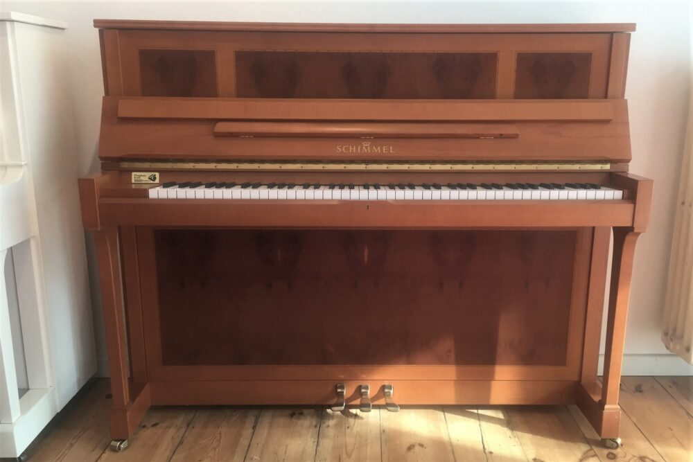 Schimmel-Klavier-Mod-121-Kirsche