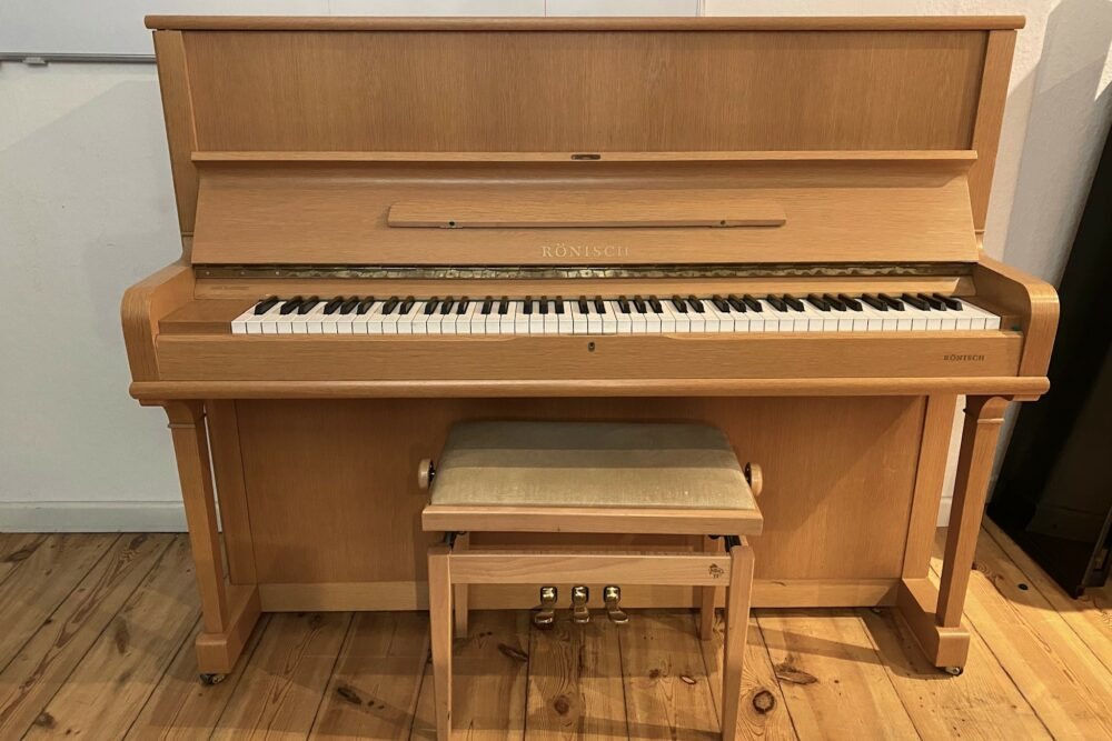 Rönisch-Klavier-Mod.121