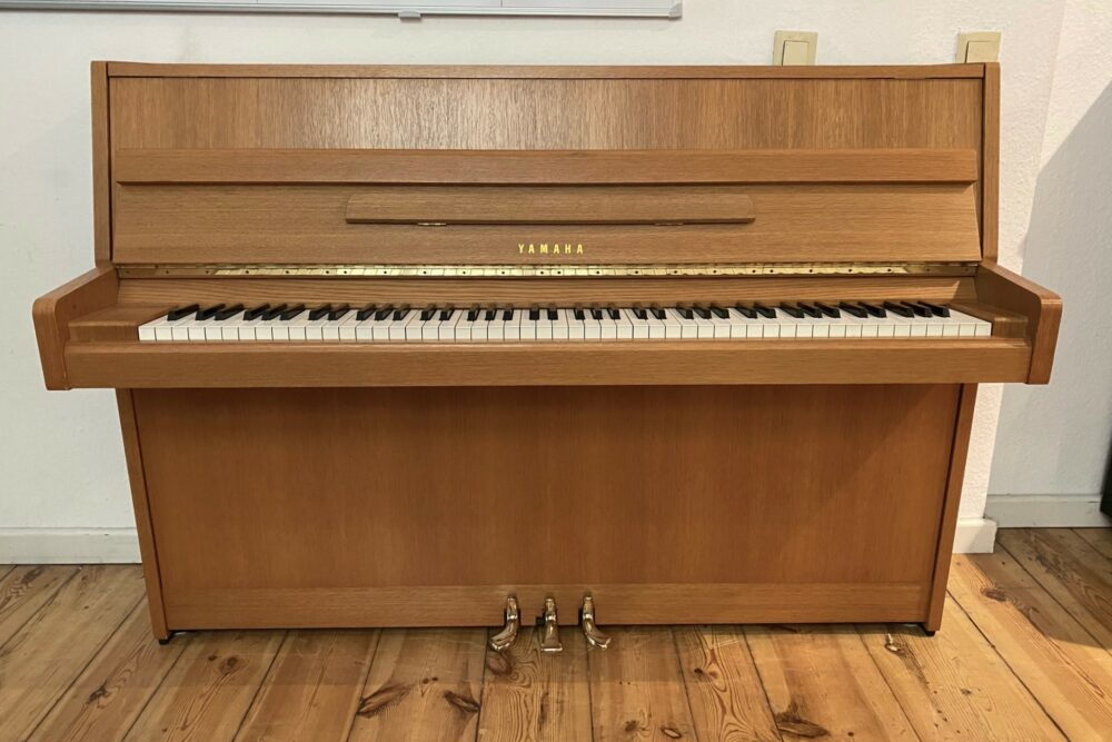 Yamaha-M5J-Klavier
