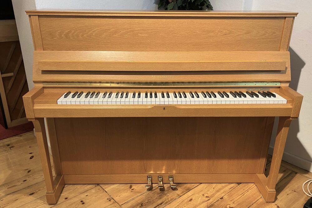 Schimmel-Klavier-118T