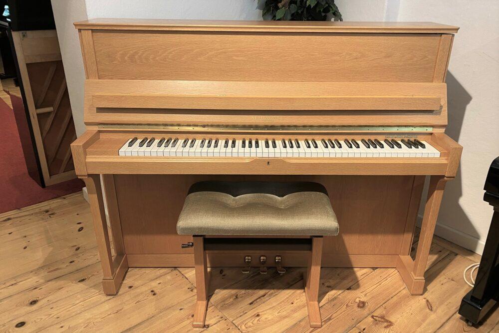 Schimmel-Piano-118T
