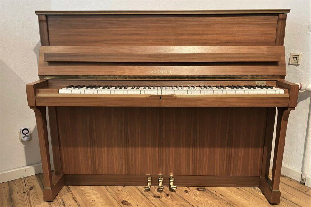 Schimmel-Klavier-118-Nussbaum