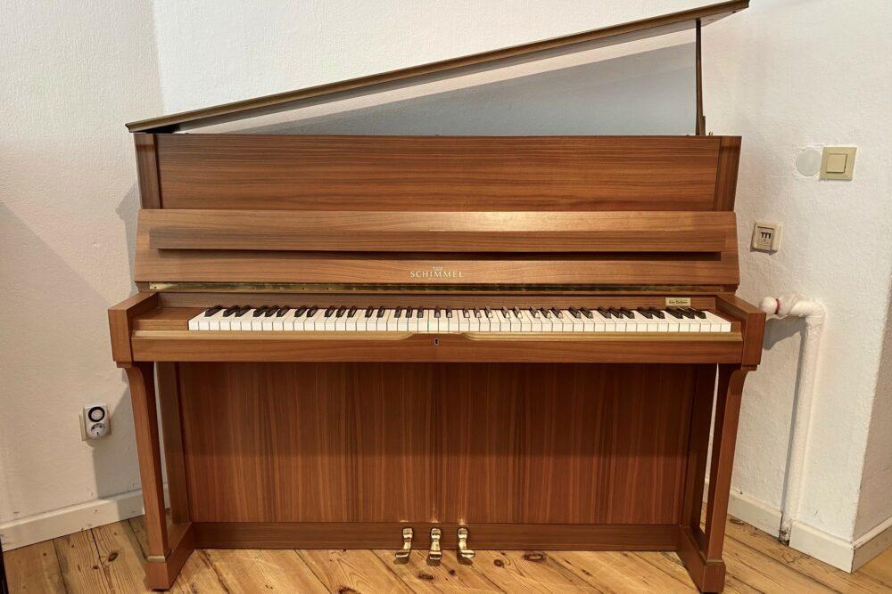 Schimmel-Piano-118