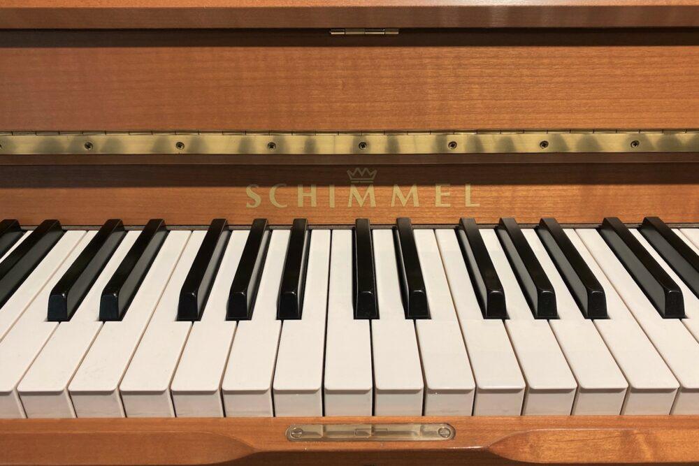 Schimmel-Piano-Tastatur